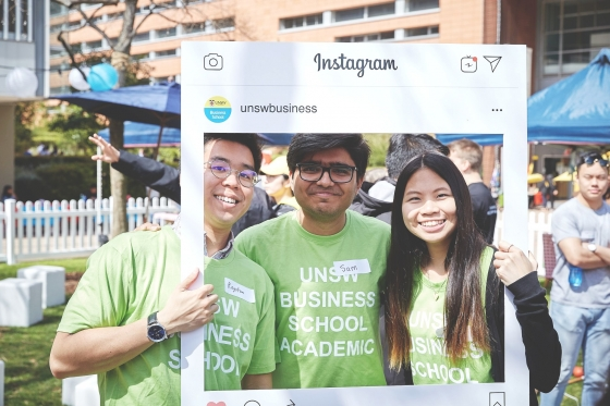 UNSW students posing in instagram frame