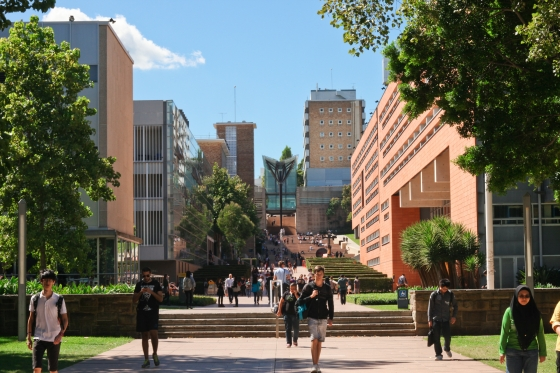 UNSW main walkway engineering schools