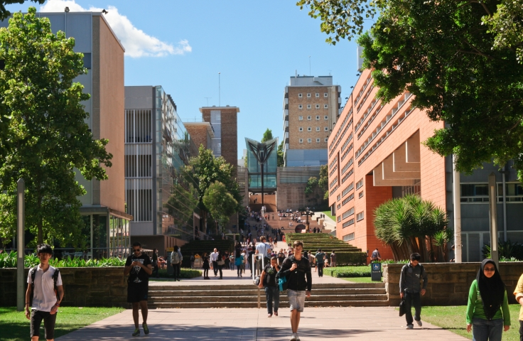 UNSW main walkway engineering schools