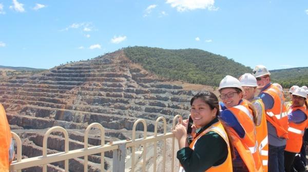 Mining summer school